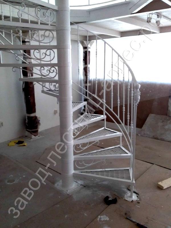 винтовая лестница на металлокаркасе