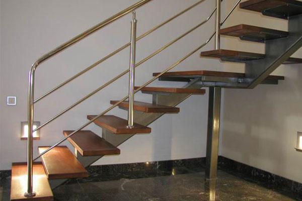 Ограждения для лестниц на металлокаркасе