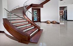 лестница в дом